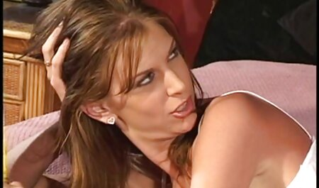 बाथरूम में कैमरे पर परिपक्व स्तन सेक्सी वीडियो मूवी पिक्चर