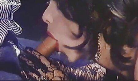 अपनी सेक्सी वीडियो फुल फिल्म गर्भवती पत्नी के साथ रूस