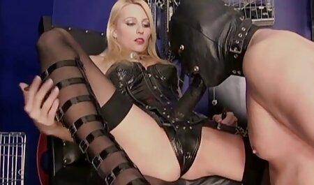 वेश्या एक छिपे सेक्सी पिक्चर हिंदी मूवी हुए कैमरे के साथ एक सॉना में कार्य करता है