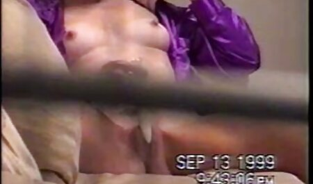 18 वर्षीय तान्या फर्श पर मिलाते हिंदी सेक्सी मूवी दिखाओ हुए जब