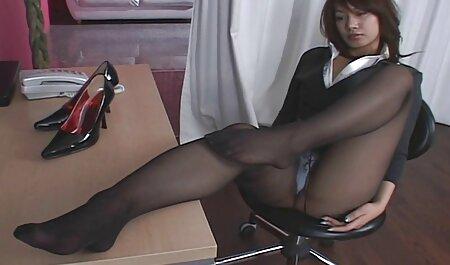 तीन लोगों के लिए सेक्सी बीएफ वीडियो फुल मूवी युवक पसीना, काले पसीने