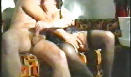 डेक पर कुछ सेक्सी मूवी पिक्चर हिंदी में घड़ी
